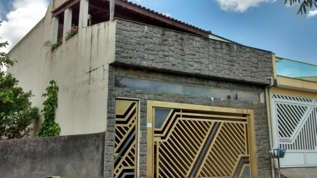 Lindo sobrado à venda - 3 Dormitórios - 2 Vagas - Bairro Dos Finco - São Bernardo do Campo - SP