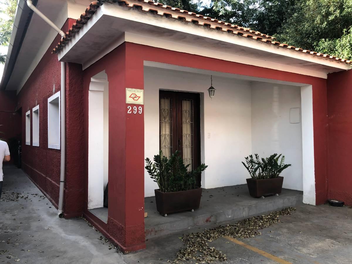 Casa Térrea - Comercial - Próximo Shopping Santa Cruz