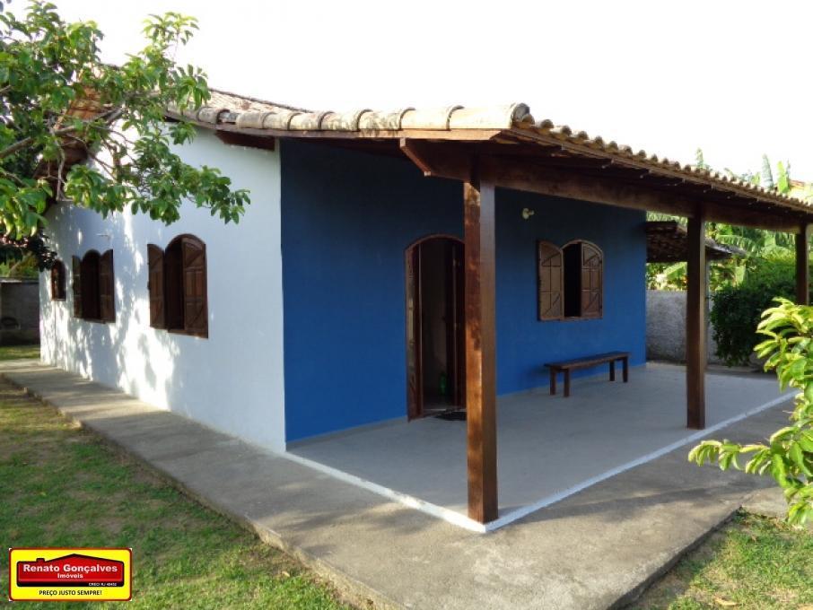 Casa pertinho do centro de Araruama