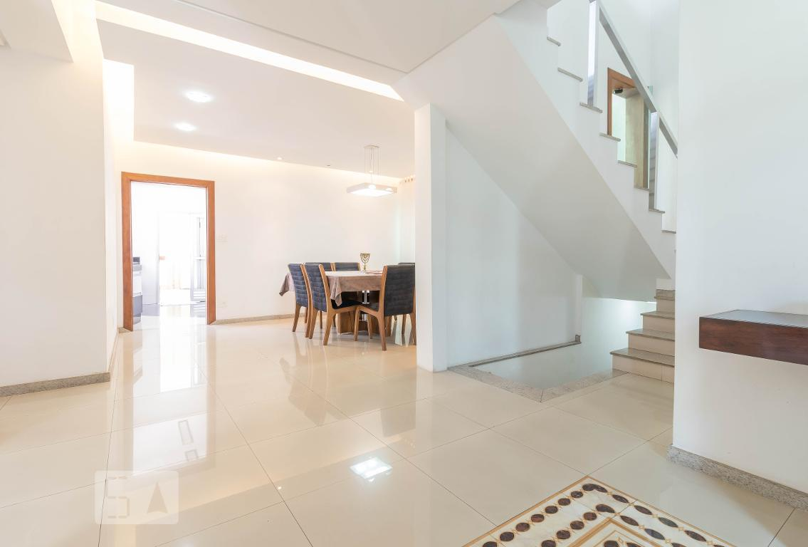 Casa para Aluguel - Floresta, 4 Quartos,  400 m²