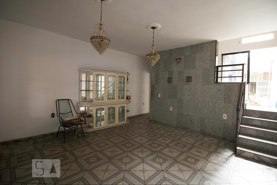 Casa para Aluguel - Jardim do Mar, 1 Quarto,  125 m²