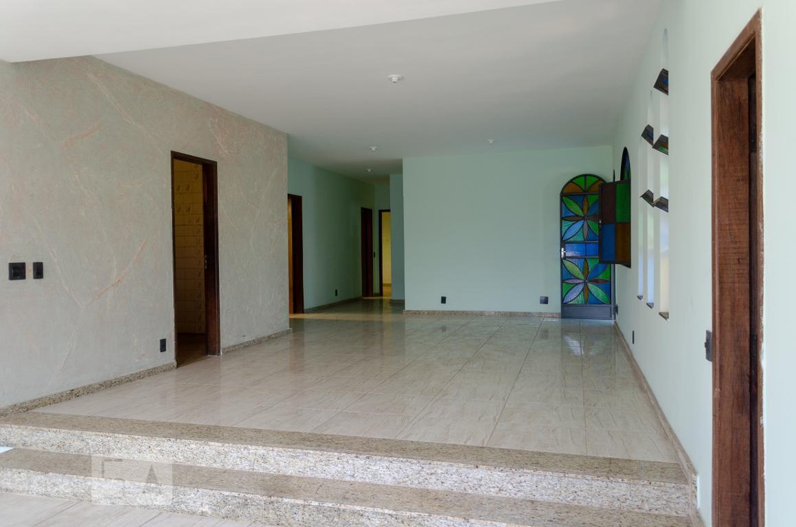 Casa para Aluguel - Candelária, 4 Quartos,  400 m²