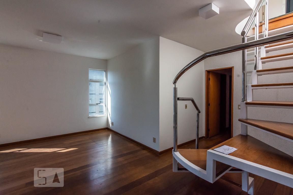 Apartamento - 220 m²