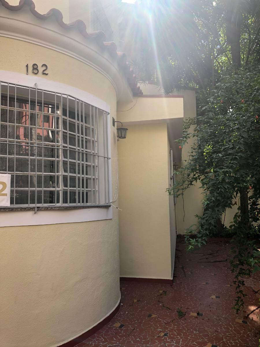 Casa comercial - totalmente reformada - a 280m do metro Ana Rosa