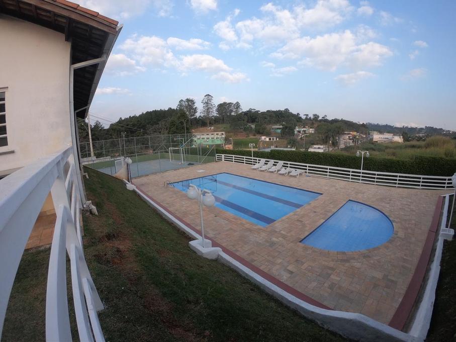 Casa de condomínio no Mont Serrat 1 com 2 dorm e 60m, Granja Viana - Cotia