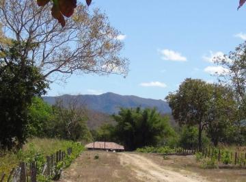 Rural de 3 quartos, Teresina de Goiás