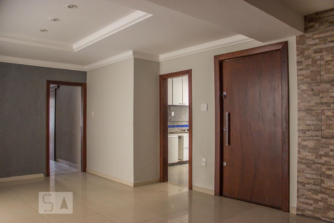 Casa para Aluguel - Liberdade, 3 Quartos,  350 m²