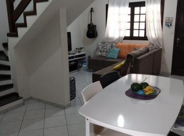 Casa · 72m² · 2 Quartos · 2 Vagas