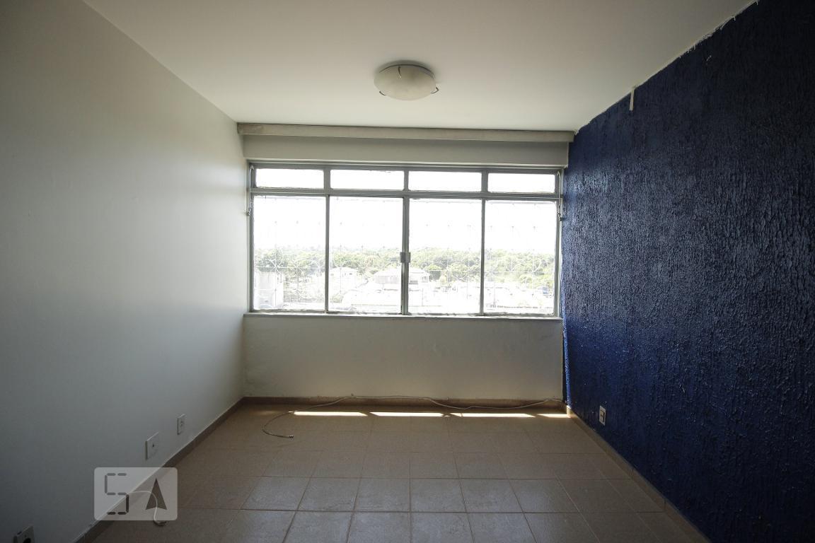 Apartamento para Aluguel - Guará, 3 Quartos,  71 m²