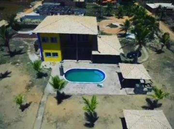 Casa · 480m² · 3 Quartos · 10 Vagas