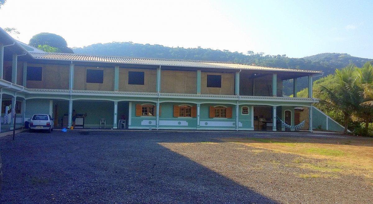 Casa Padrão para Venda em Centro São José do Vale do Rio Preto-RJ