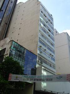 aluga  apto 3 dormitórios-centro