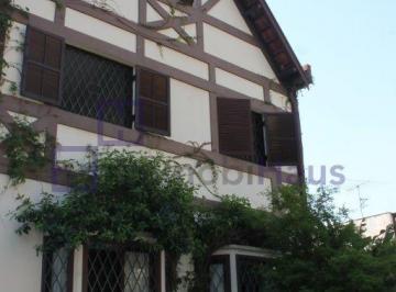 Casa · 316m² · 4 Quartos · 5 Vagas