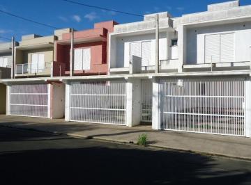 Casa · 129m² · 3 Quartos · 2 Vagas