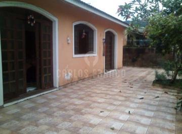 Casa · 212m² · 3 Quartos · 6 Vagas