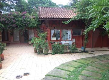 Casa · 340m² · 3 Vagas