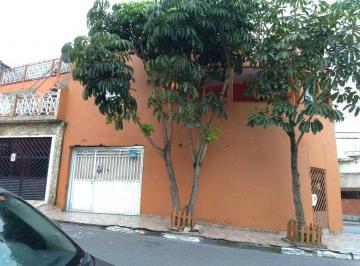 Casa · 600m² · 6 Quartos · 4 Vagas