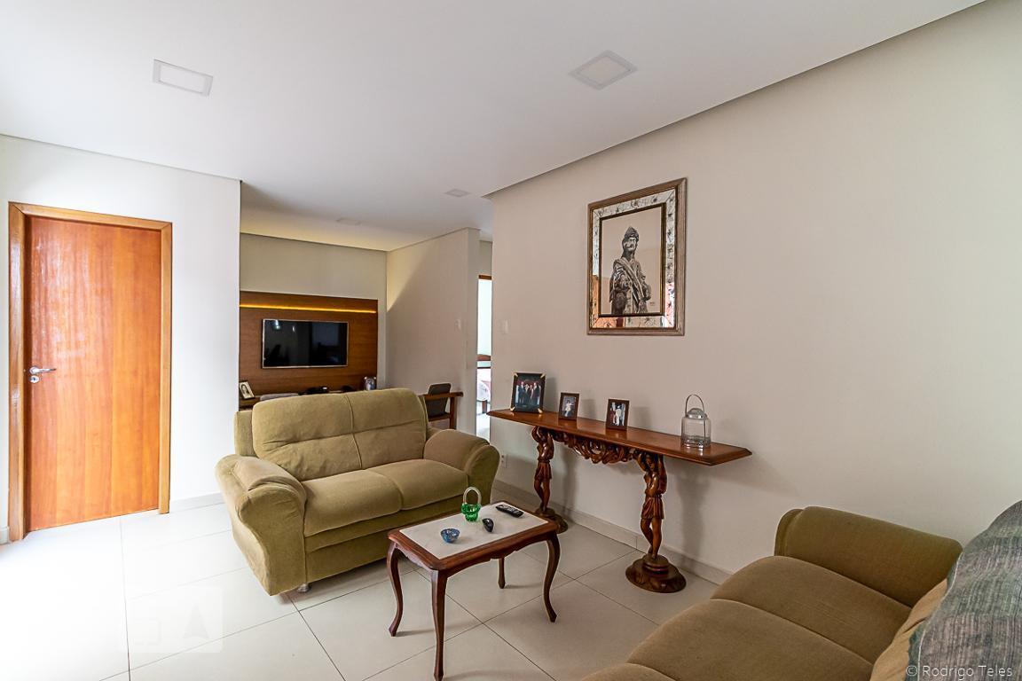Apartamento para Aluguel - Floresta, 3 Quartos,  150 m²