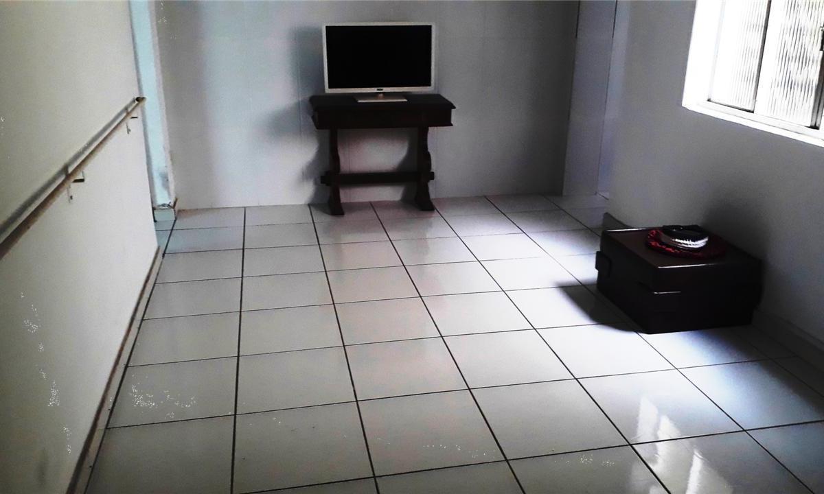 Casa à venda - em Carlos Prates