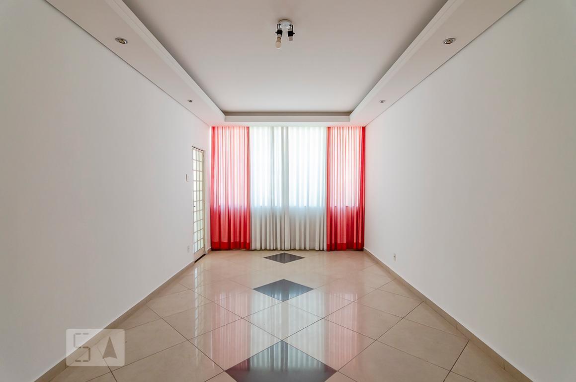 Casa para Aluguel - Floresta, 3 Quartos,  270 m²