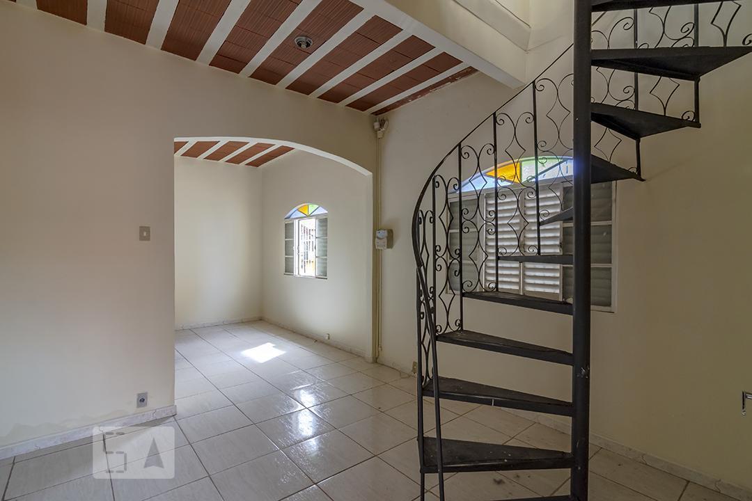 Casa para Aluguel - Floresta, 4 Quartos,  140 m²