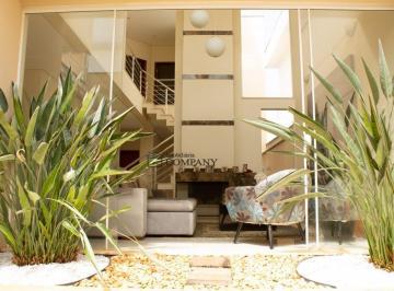 Casa · 288m² · 3 Quartos · 4 Vagas