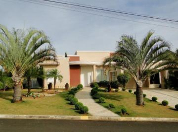 Casa térrea à venda no Condomínio Village Castelo em Itu são 1500 m² de área tot