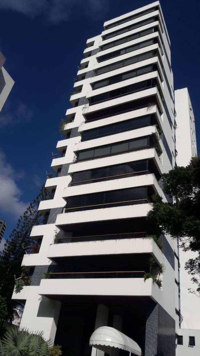 Um Por Andar! Apartamento 350 m², 4 Quartos, 2 Varandões, Garagens - Chame Chame