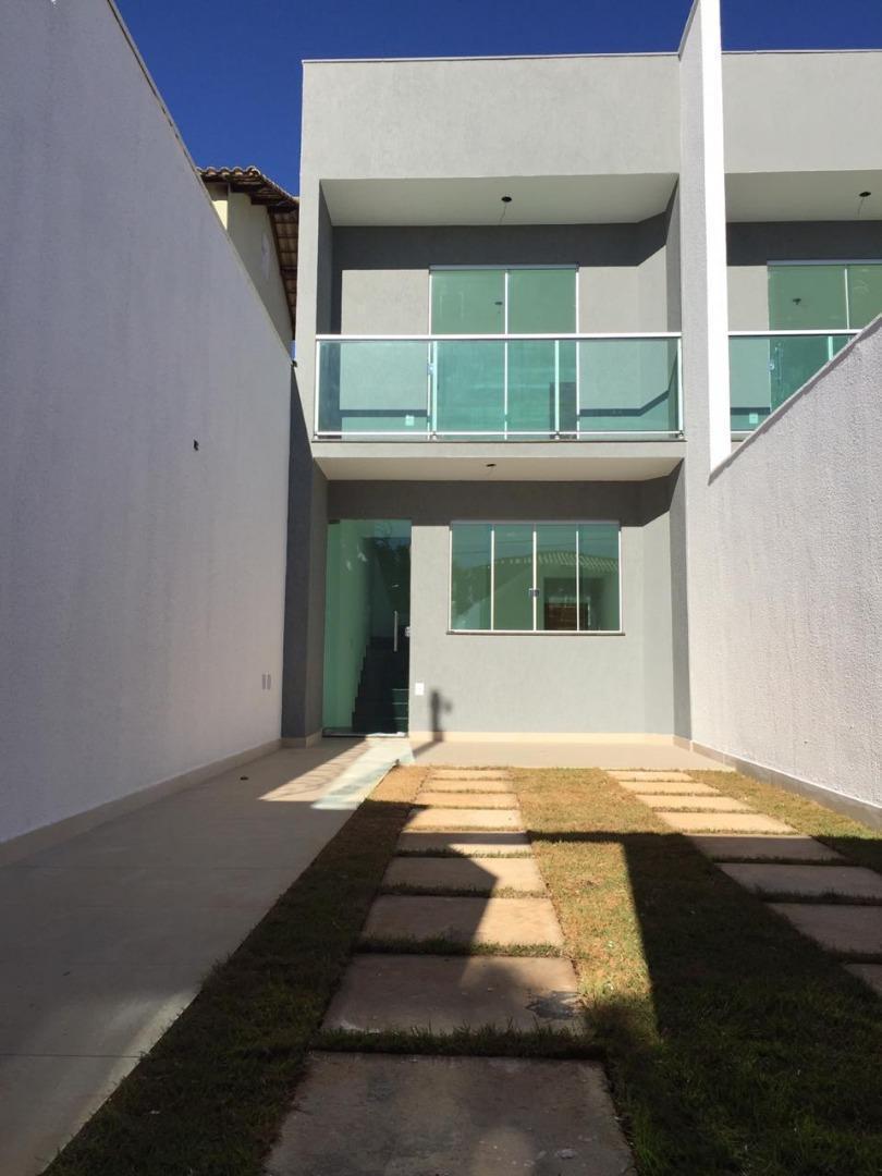 Casa com 2 quartos à venda, 72 m² por R$ 285.000 - Santa Helena - Contagem/MG