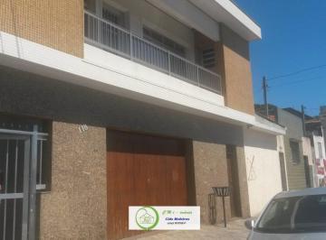 Casa · 450m² · 2 Quartos · 8 Vagas