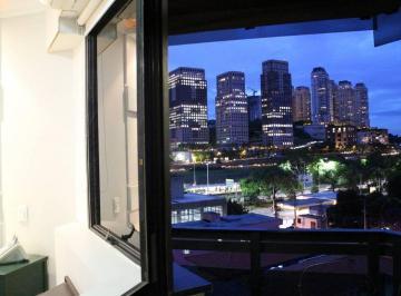 quarto e varanda com vista para shopping Cidade Jardim
