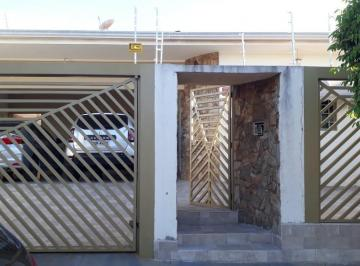 Casa · 280m² · 3 Quartos · 4 Vagas