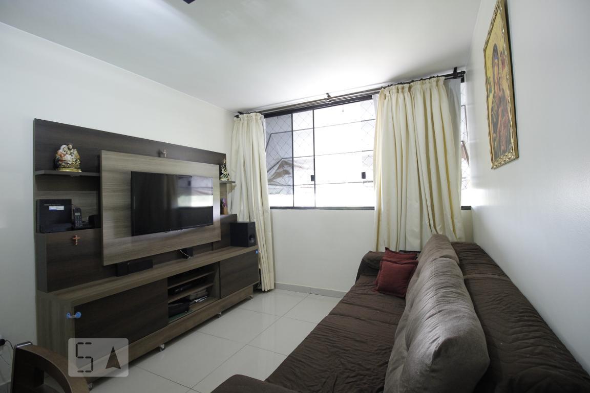 Apartamento para Aluguel - Guará, 2 Quartos,  52 m²