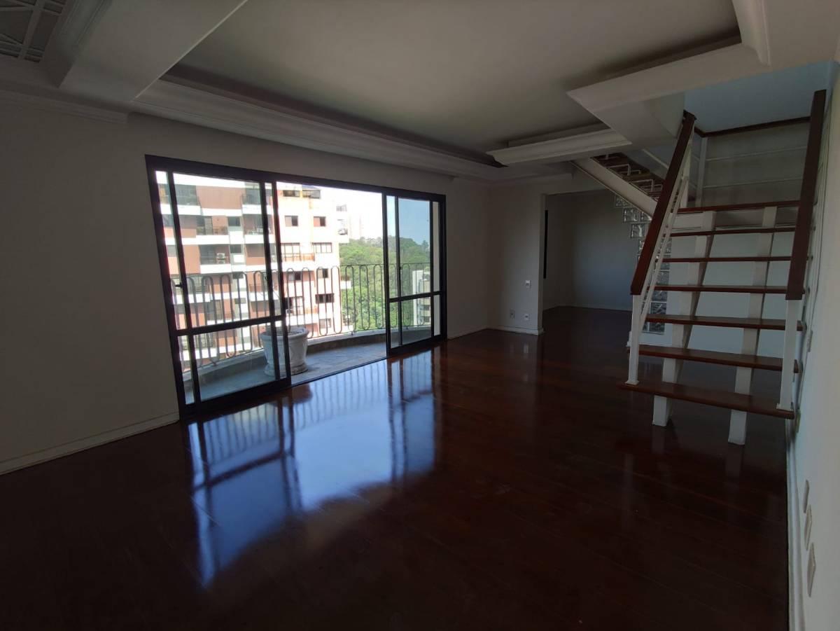 Cobertura para venda possui 360 metros com 4 quartos em Jardim Ampliação - Sp