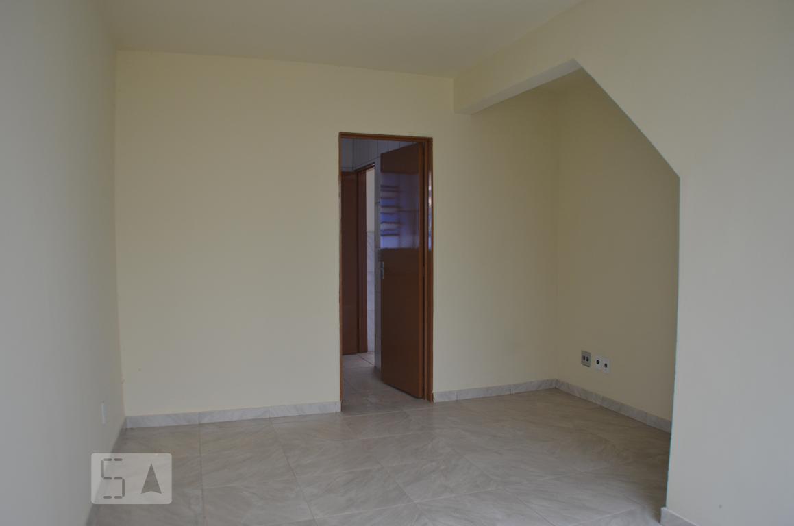 Casa para Aluguel - Heliópolis, 2 Quartos,  50 m²