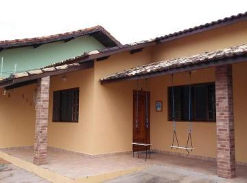 Casa · 129m² · 3 Quartos · 4 Vagas