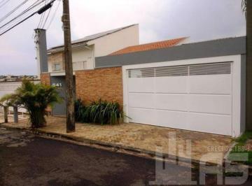Casa · 244m² · 3 Quartos