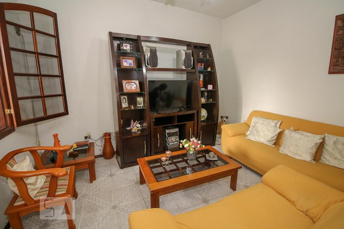 Casa para Aluguel - Penha, 2 Quartos,  120 m²