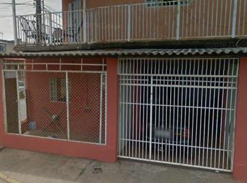 Casa · 250m² · 8 Quartos · 2 Vagas