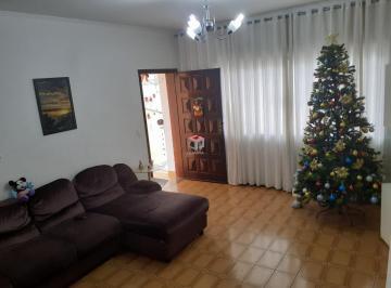 Casa · 283m² · 3 Quartos · 4 Vagas