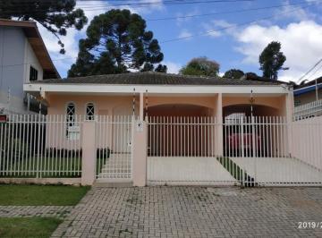 Casa · 217m² · 3 Quartos · 4 Vagas