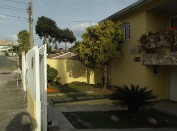 Casa · 208m² · 3 Quartos · 4 Vagas