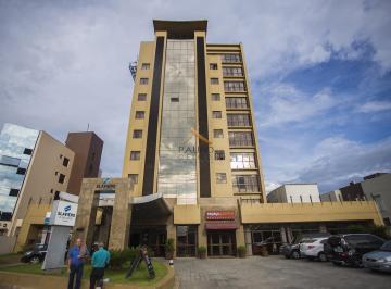 http://www.infocenterhost2.com.br/crm/fotosimovel/938709/220610042-apartamento-pinhais-centro.jpg