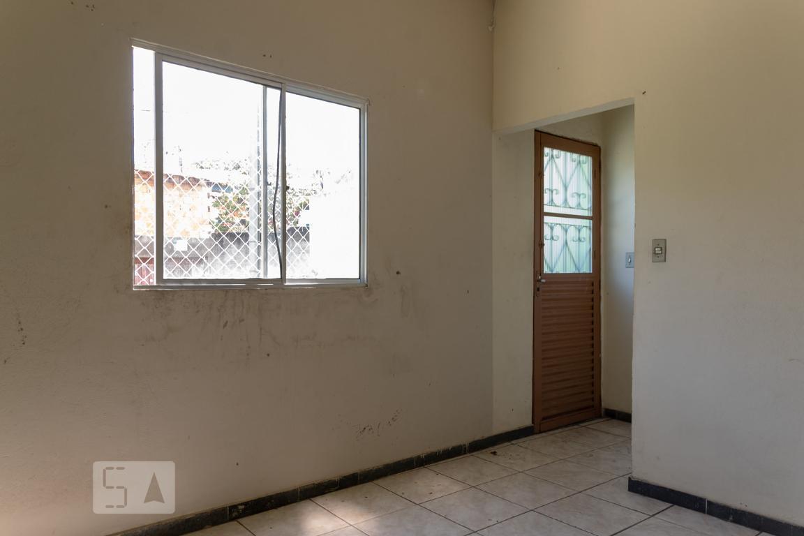 Casa para Aluguel - Floramar, 2 Quartos,  100 m² - Belo Horizonte