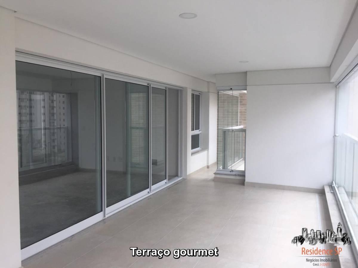 Apartamento em Moema de 183 m² com 3 suítes, 4 vagas e deposito.