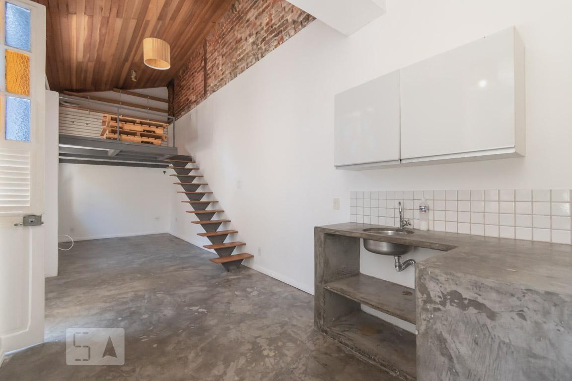 Casa para Aluguel - Santa Teresa, 1 Quarto,  35 m²
