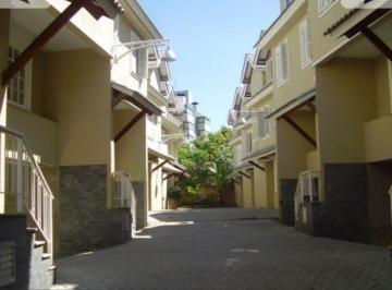 Casa · 245m² · 3 Quartos · 2 Vagas