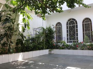 Casa · 151m² · 5 Quartos · 3 Vagas