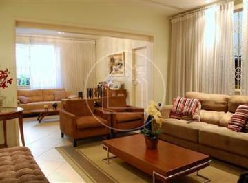 Elegante e confortável residência em Laranjeiras!