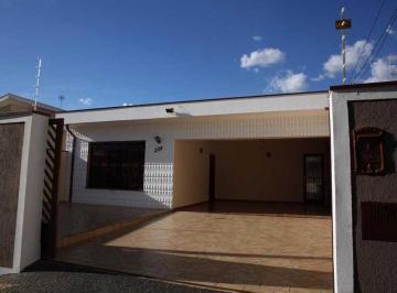 Casa · 183m² · 4 Quartos · 5 Vagas